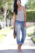 H&M Boyfriend Jeans + Grey Tank + Shoemint Lace up sandals Romy in Tan + Leopard Clutch + Shop Caravan reflective sunglasses - Mirrored sunglasses-3