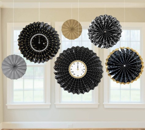 interior-beautiful-new-years-eve-party-decorations-feats-black-white-and-gold-paper-craft-with-clock-hanging-decoration-beautiful-new-years-eve-party-decorations-ideas