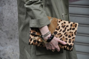PATTERNITY_17_LEOPARDCLUTCH_TOMMYTON