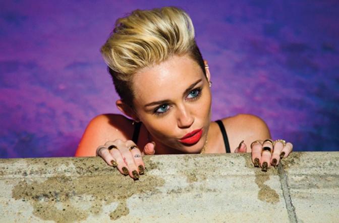 Miley Cyrus já tem roupa!