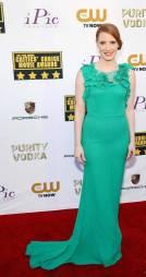 jessica-chastain-critics-choice-movie-awards-2014-red-carpet-05