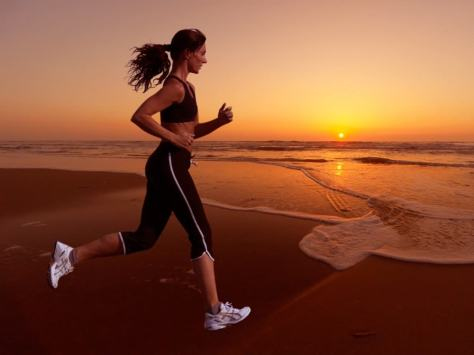 woman_running_during_sunset