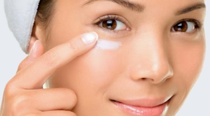 Beauty Tip – Como usar corretor de olheiras