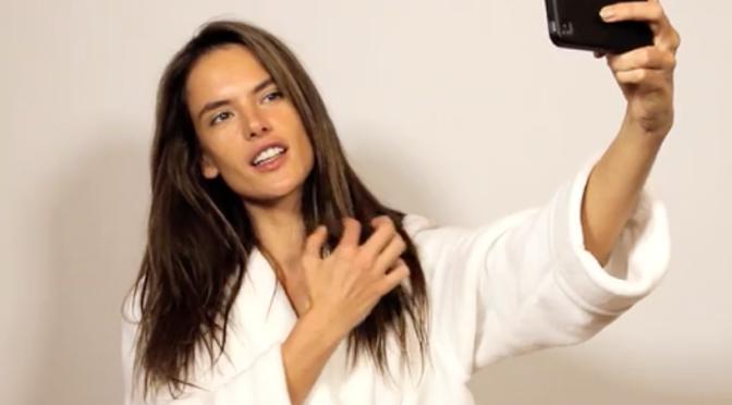 Quem quer aprender a tirar selfies como uma supermodelo?