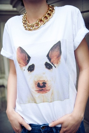 street-style-dog-tshirt-colar-necklace-chain-corrente-cachorro-fashion-moda-simple-casual-inspiring