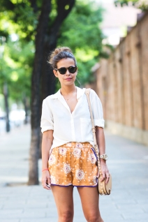 Pijama_Shorts-Street_Style-White_Blouse-Outfit-Collage_Vintage-6