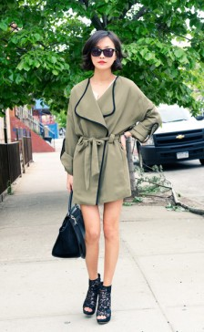 1floral_shorts_khaki_chiffon_trench_coat_nude_pink_sheer_blouse_lace_booties_celine_trapeze_karen_walker_sunglasses_street_style_fashion_blog_misspouty35_grande
