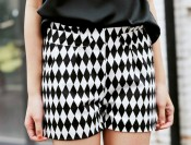 fdfd1709-European-street-Style-Van-Vintage-Black-And-White-Geometric-Diamond-Lattice-Shorts-Pants-Free-Shipping