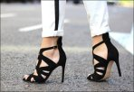 Street-Style-Black-And-White-22