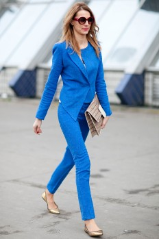 Monochromatic-color-play-looks-seriously-chic-perfectly-tailored