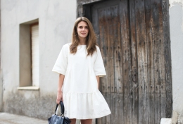 clochet-streetstyle-outfit-other-stories-white-dress-sushi-bag-4