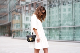 clochet-streetstyle-outfit-sushi-tiny-bag-stories-white-dress-zara-loafers-3