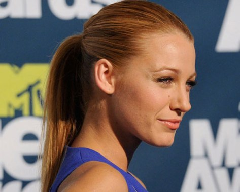 sleek-and-tight-ponytail-hairstyle