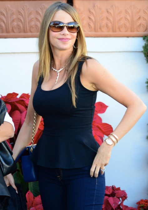 sofia-vergara-street-style-leaving-il-pistaio-restaurant-in-beverly-hills-january-1778825048