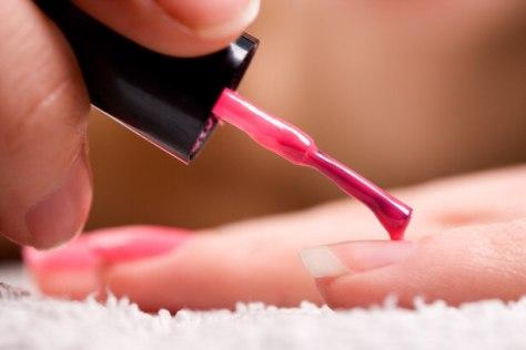 applying-nail-polish