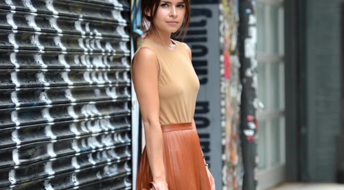 miroslava duma, look, street style, skirt, leather, terracotta