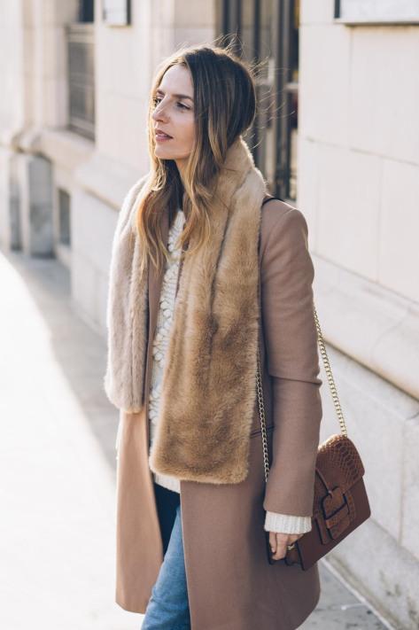 jess-ann-kirby-talbots-faux-fur-scarf-camel-coat